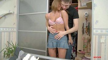 kakek cabul igo693gp5 Girls boobs out of her blouse