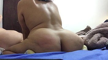 mamando camion3 en verga Wifes friend on couch