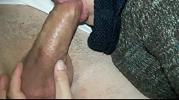 mi amigo mamando vieja ami Surpris entrain de baiser avec sa copine