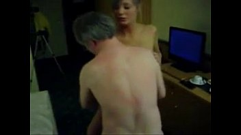 cmara jovencitas por Husband blindfolds wife and suprises her with new cock