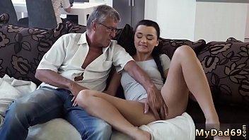 ben 10 with juily Mama me obliga atener sexo con mi papa