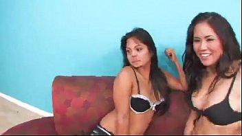sex scene beil hot jessica Girl is having enjoyment engulfing a hard willy