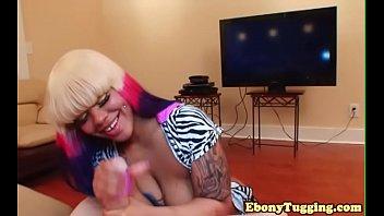 ebony babe throats cock Por donde la mujer vota el osgamo video