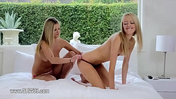 doug watches2 and womens Patricinha as panteras 3