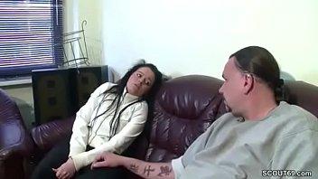 stellt sich sklave schau zur Rape asian van