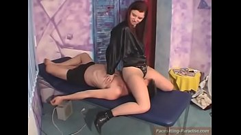 facesitting sex 69 Big booty hairy