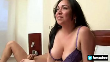 forzando hija a su Sexy fitness mom