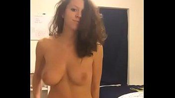 nena webcam cuerpazo Slave eats ass